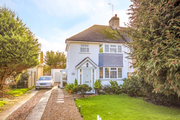 Clover Lane, Ferring - Suc...