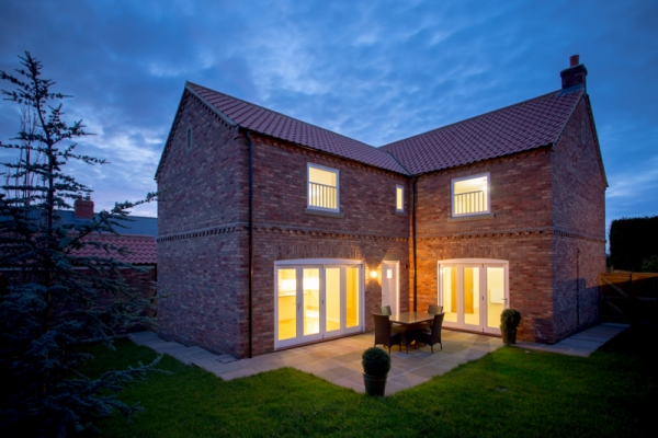 How can dusk photography help sell your home?