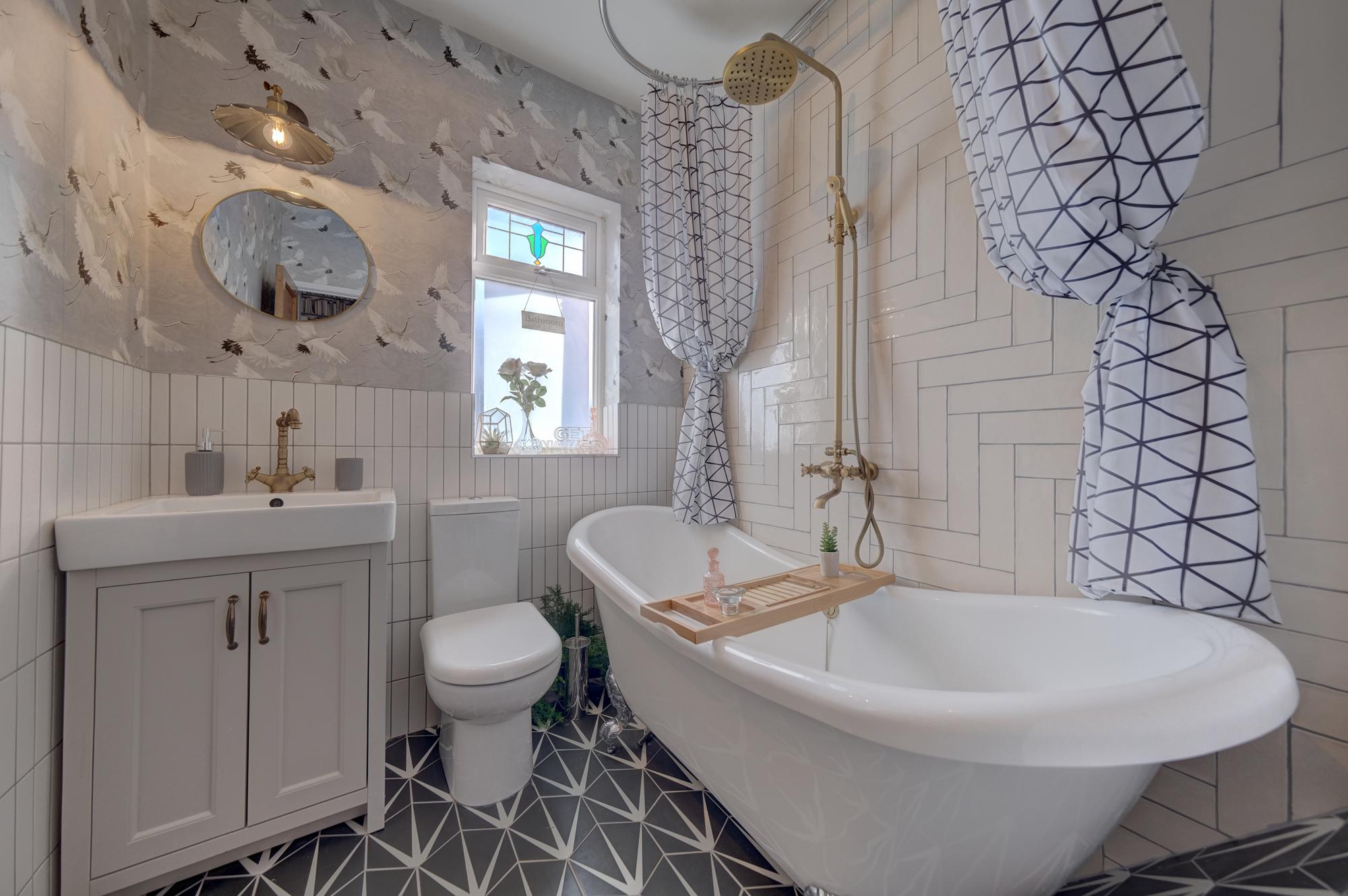 Priesthills Road - A success story - luxury bathroom