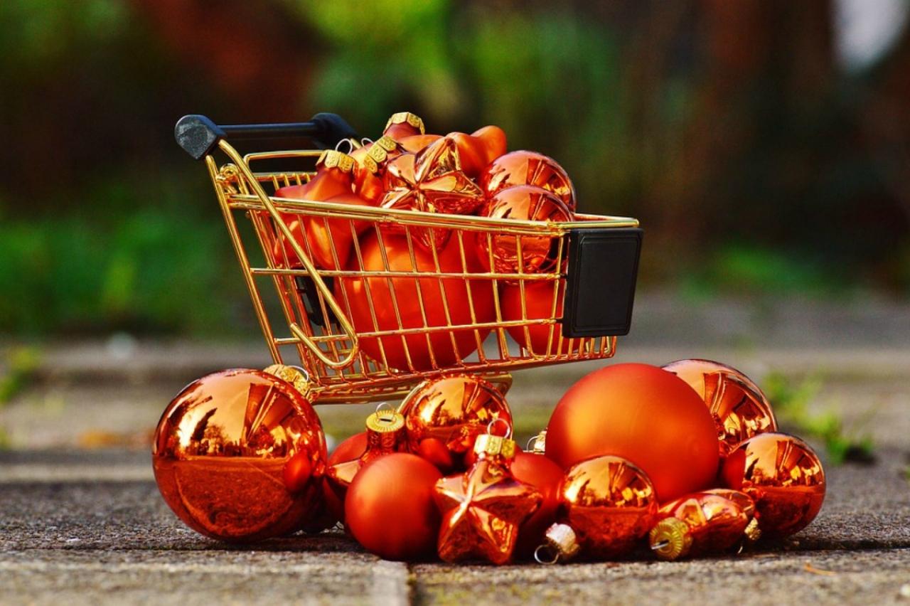 >Alternative Christmas Shopping Stoke on Trent