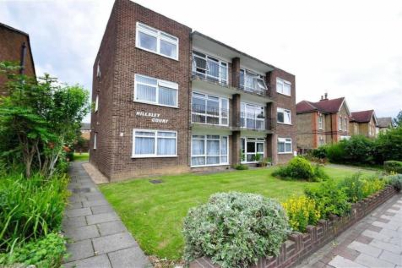 >Ideal Buy To Let – 2 bed...