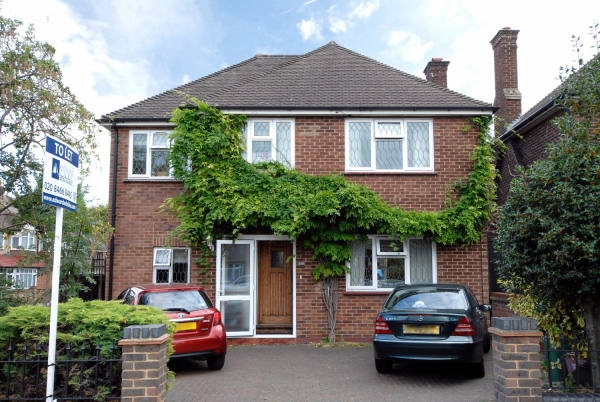 Flats for Sale in Bromley