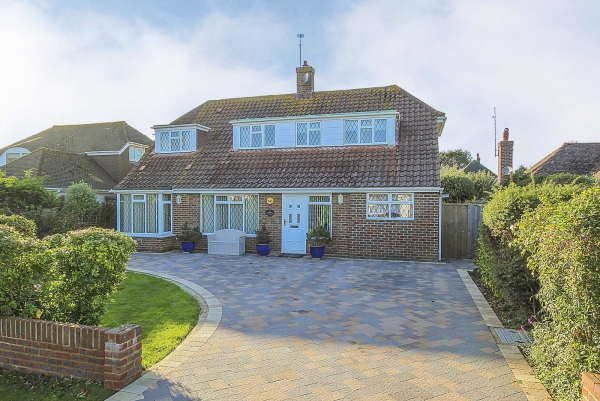 meadway, rustington - a success story (rus180565)