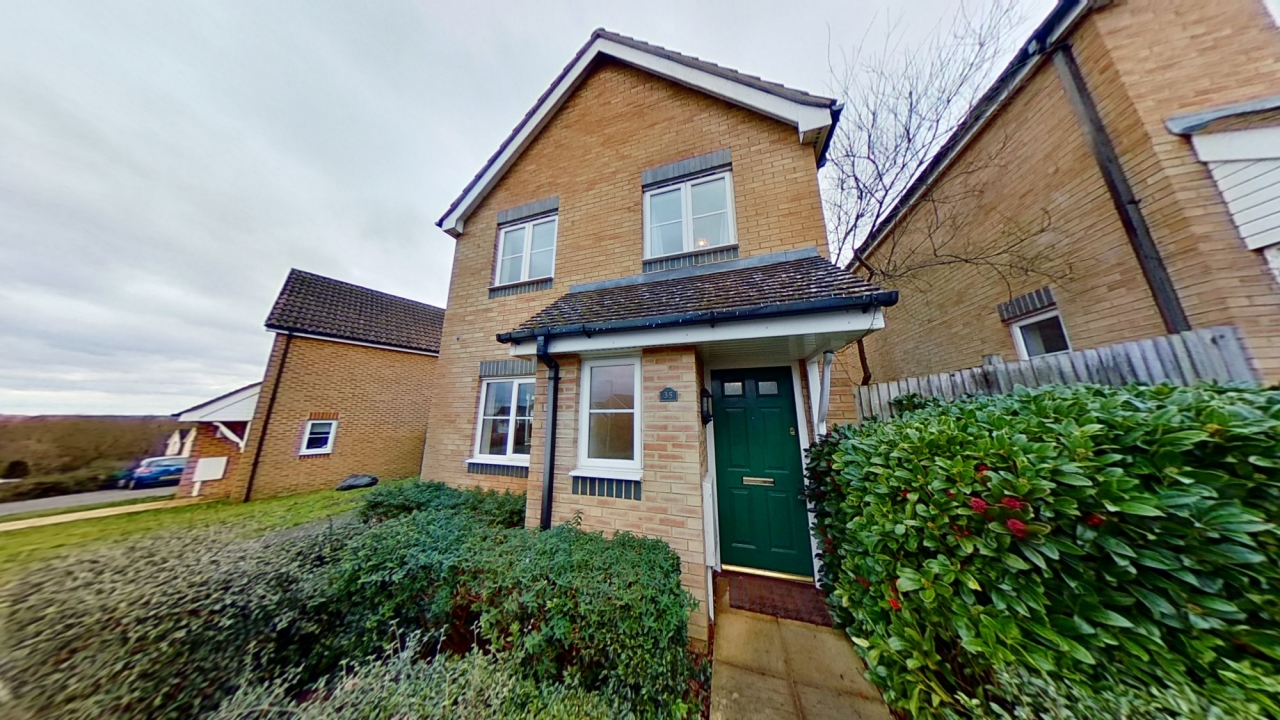 >3 Bed in Lodge Wood Drive,...