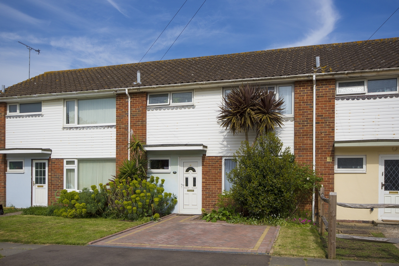 >Cheviot Close East Preston...