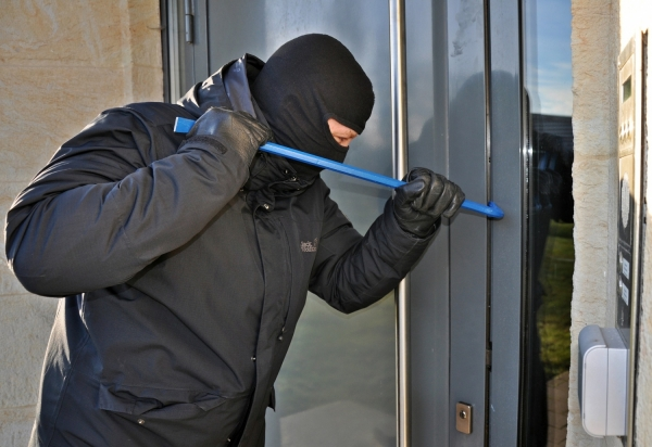 Christmas is coming….How to Beat the Burglars this Autumn