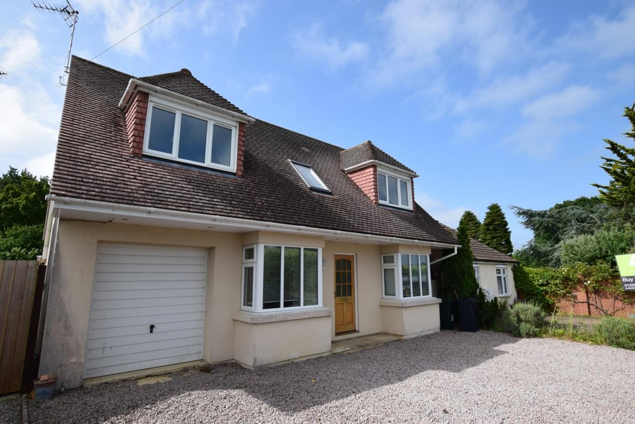 >4 bed detached house for sale in Sandyhurst Lane.