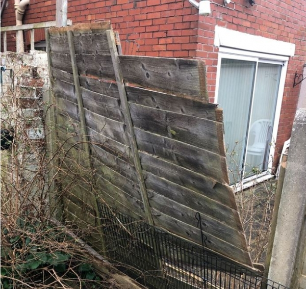 My fence has blown down, how do I find out who should fix it?