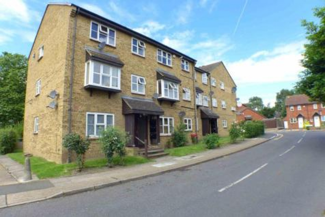 >IDEAL BUY TO LET – 1 BED...