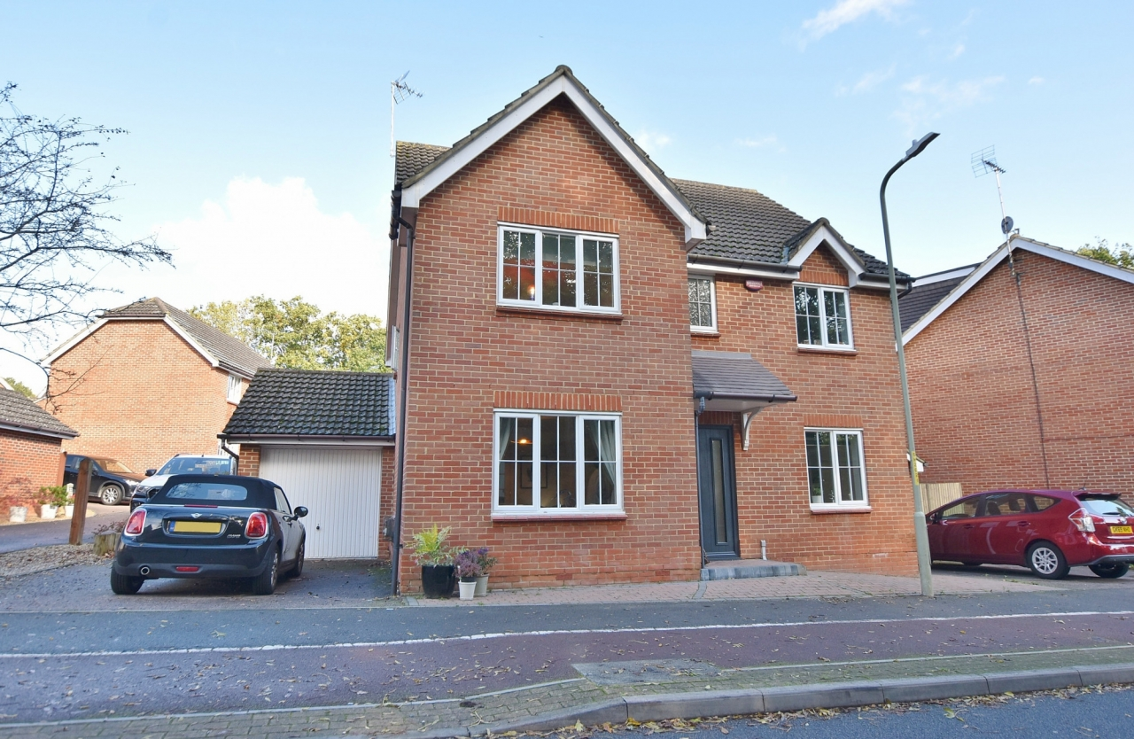 >Beautiful 5 bed Detached H...
