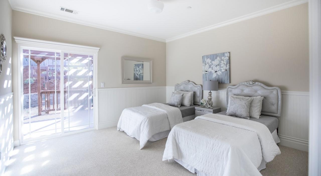 >Luxury Bedrooms