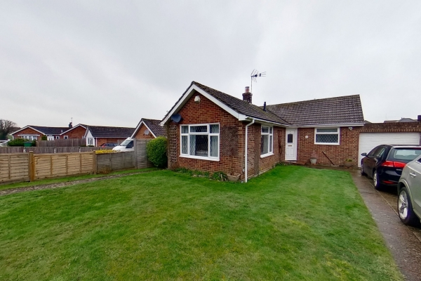 2 bedroom bungalow for sale in Sellindge!