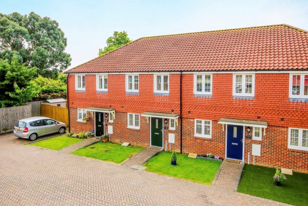Claremont Close, Angmering - success story (ang35129)