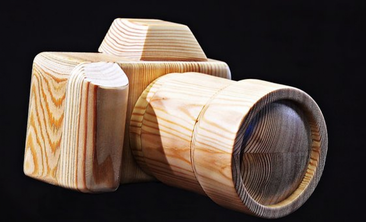 >Wooden camera