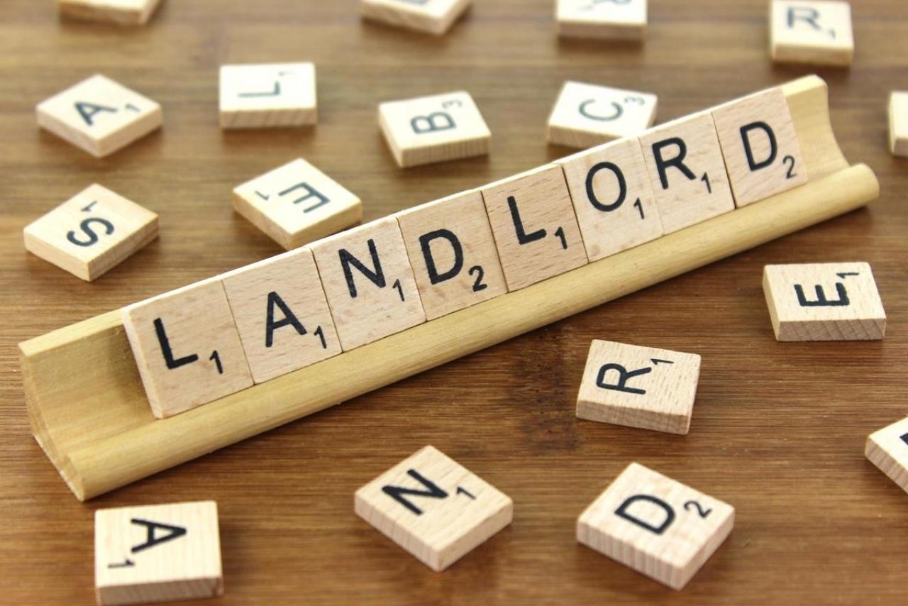 >Landlords Rockett Home Rentals