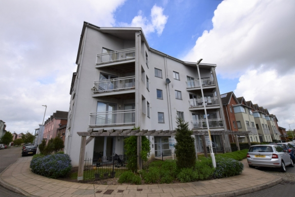 2 bed apartment for sale in Drummond Grove, Willesborough, Ashford.