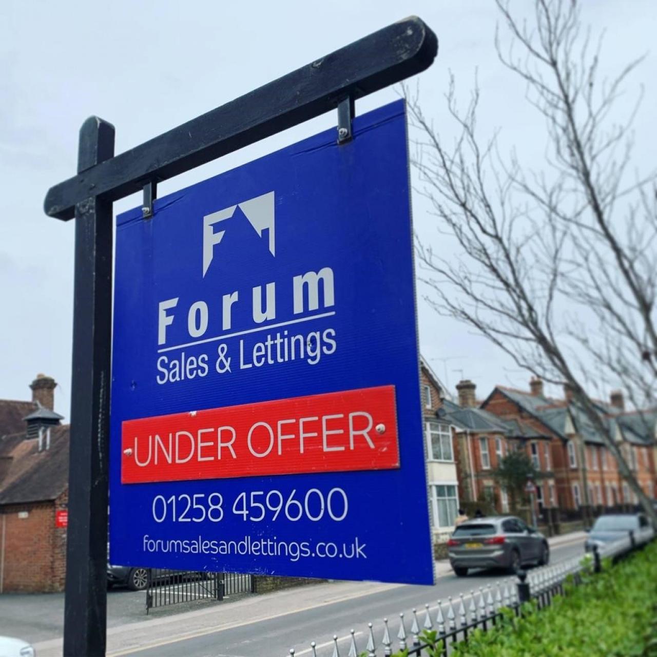 >Forum Sales & Lettings Under Offer Board