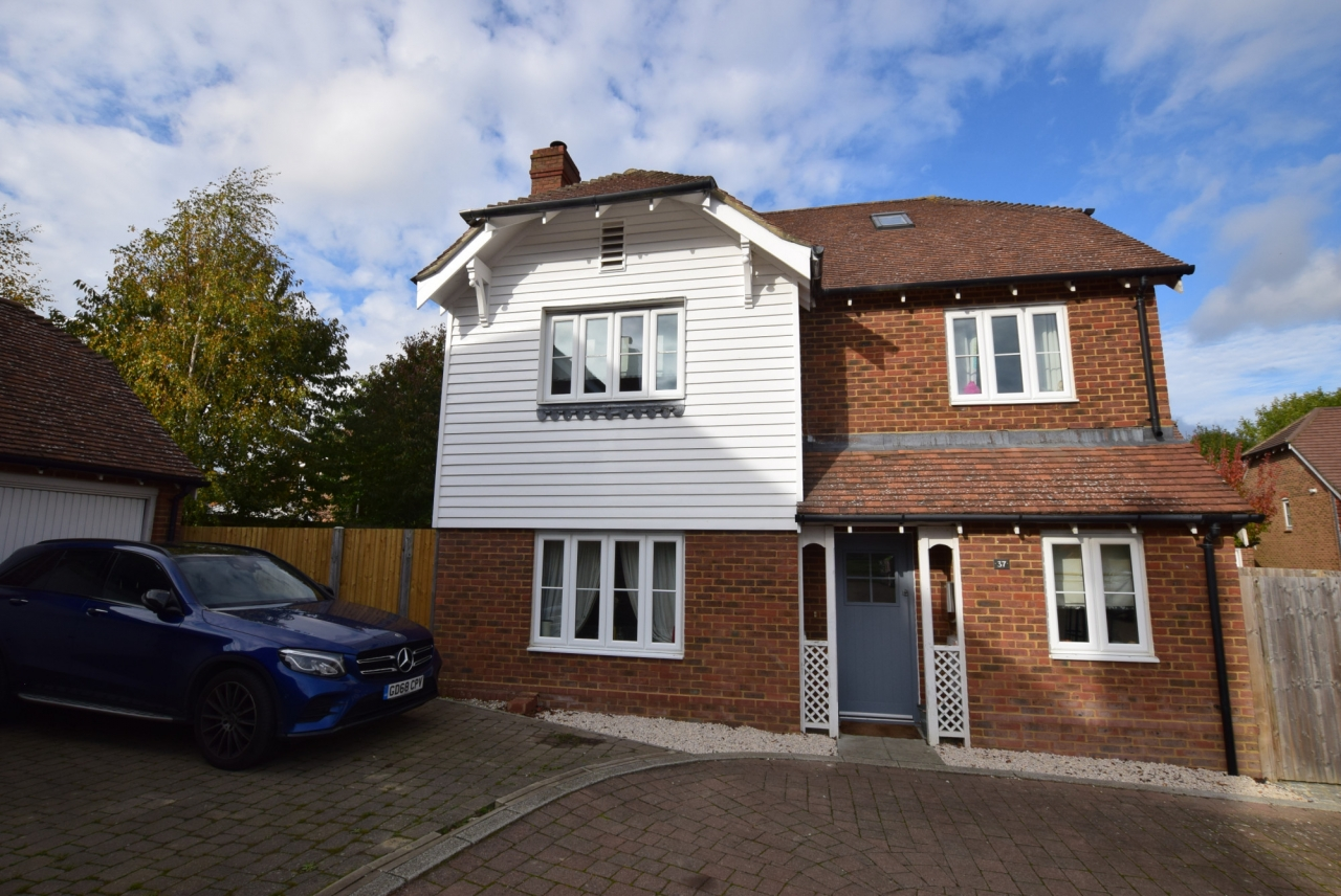 >Fabulous five bed home in...