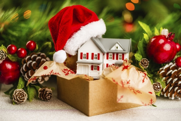 Tis the season to be jolly but is it the season to sell your home?