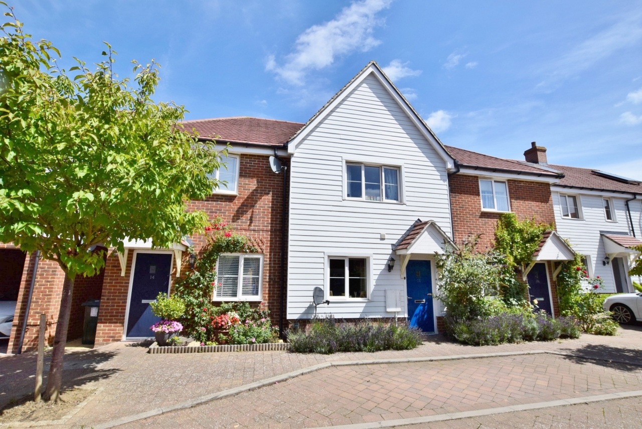 >Excellent two bedroom in R...