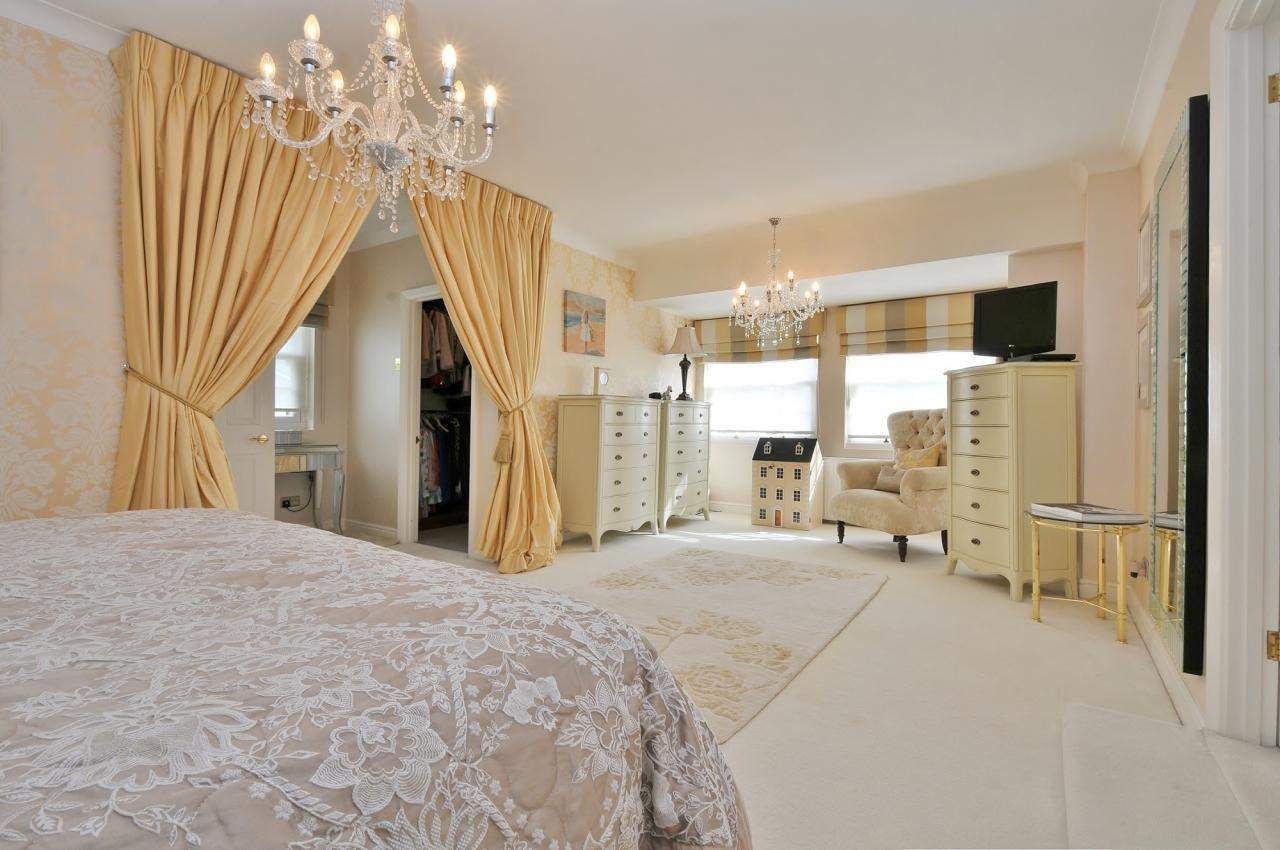>Fabulous 5 Bedroom For Sale!