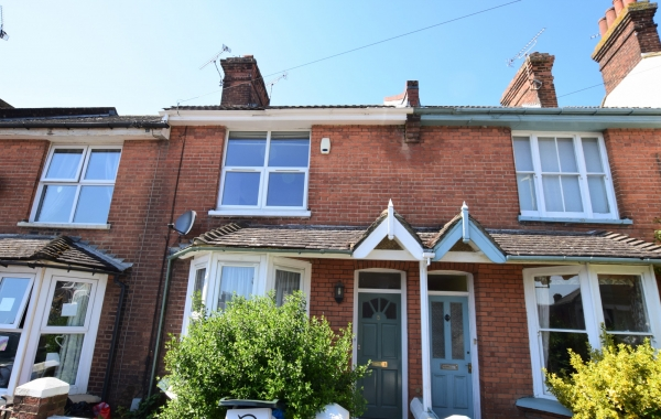 Lovely two bedroom property for rent in Eastern Avenue, Ashford.