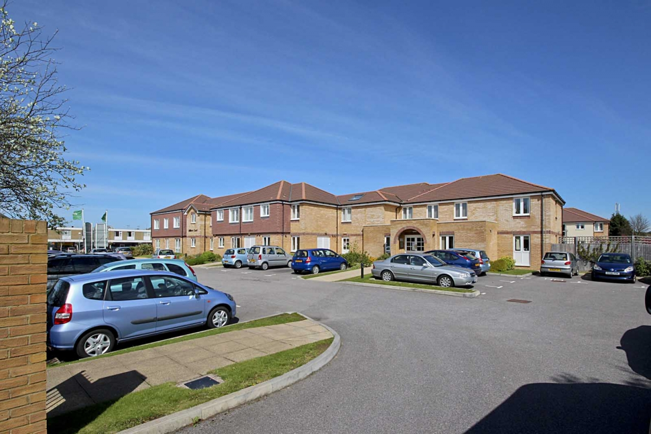 >Milliers Court, Worthing R...