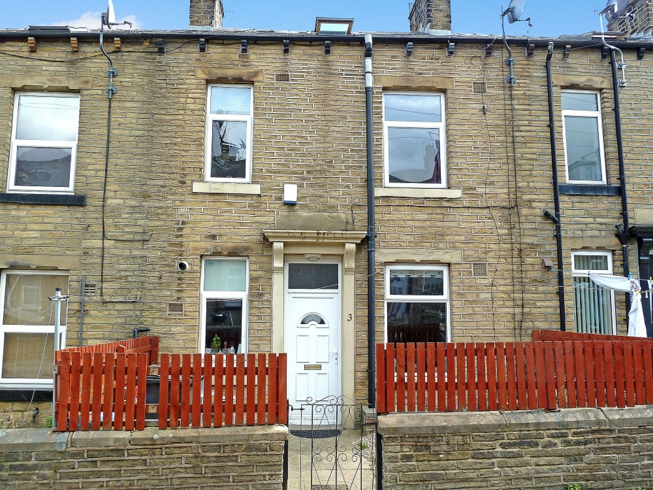 Three bed house To Let In Grange Street