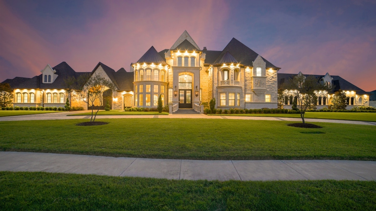 >Old vs New Luxury Home