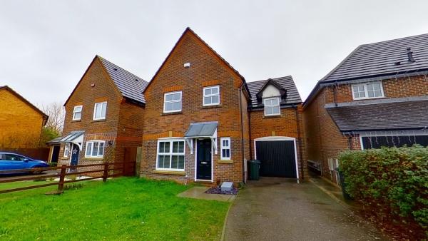 Wonderful three bedroom home in Wood Lane!