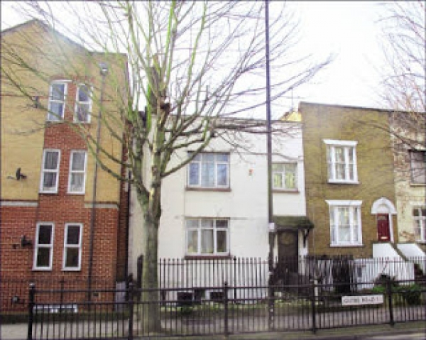 Super investment opportunity in East London with planning permission. Docklands