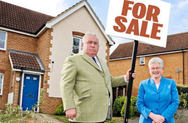 Britian's largest landlord couple sell up in Kent, Medway owners take note!