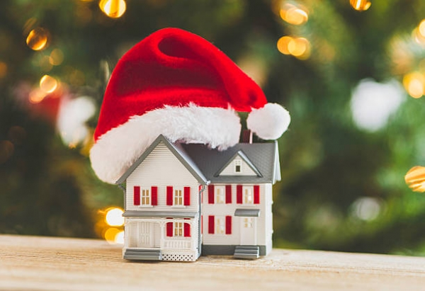 Reasons to sell your home during the Holidays
