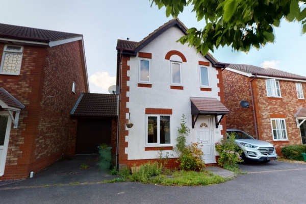 3 bed detached house for sale in Smithy Drive, Park Farm, Ashford.