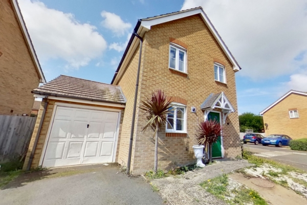 3 bed detached house for sale in Lodge Wood Drive, Orchard Heights, Ashford.